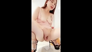 Korean Mom masturbates like a slut