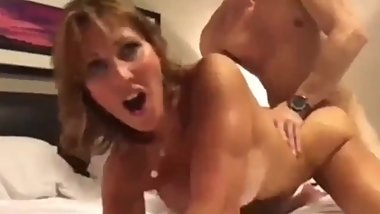Lucky 18yo stepson cums inside his mature stepmom on vacation