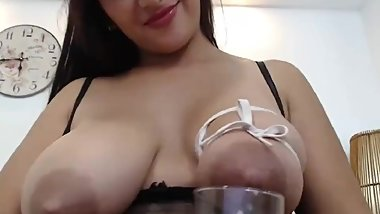 Ayelin's young latina tits are filled with milk