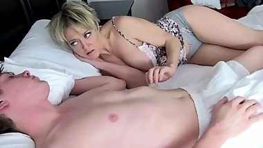 Amazing stepmom with hot body gets creampie from her stepson