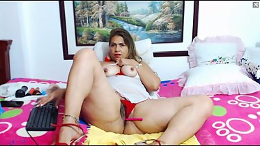THIS BEAUTIFUL THICK LATINA GRANNY HAS AN AMAZING BIG BOOTY AND SEXY FEET