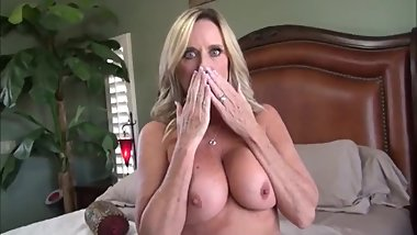 Mommy needs your cum inside pussy
