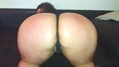 VOLUPTUOUS PAWG TEASES HER HUGE ASS