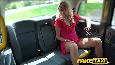 Fake Taxi Mature British Ellens juicy pussy fucked in cab