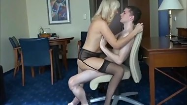 Amateur couple knows how to make each other cum amazingly
