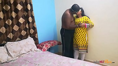 Amateur Indian Bhabhi Shanaya Aunty With Husband
