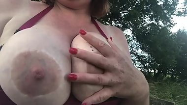 Big natural tits outdoor