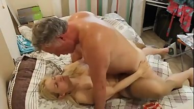 My busty mature mom loves our neighbor while daddy not home