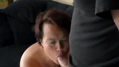 Jen is Sucking on Johns Cocktip