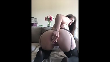 Chloe Bangs herself good this time wanting 2 or more cocks so very bad!