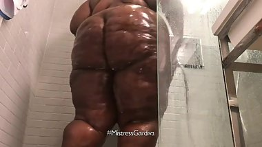 Getting Freaky And Putting On A Show In the Shower... Fat Ass Jiggling