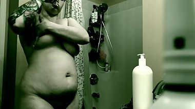 Real Spy cam Drying off after shower! Beautiful boobs