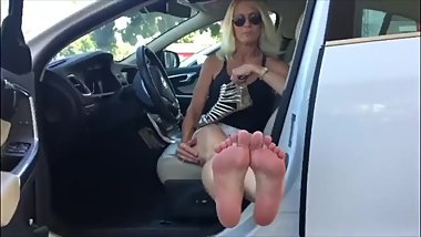 Blonde milf loves camera attention on her feet @feetondash