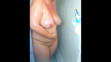Voyeur Chubby MILF Showering Big ass, big tits, washes for you