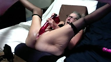 Hot MILF Plays With 12 inch Dildo Has Big Orgasm Squirts Down Her Pussy