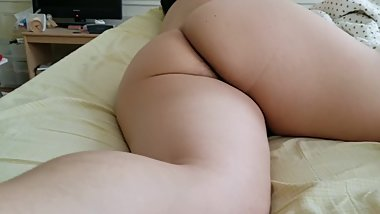 Thick Asian soles and ass in bed