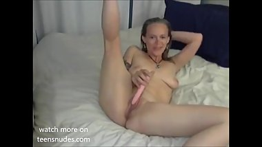 Sexy Milf squirts on webcam show