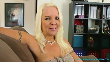 VIRTUAL POV SEX - Divorced MILF Veronica Is Horny Needs Your Cock