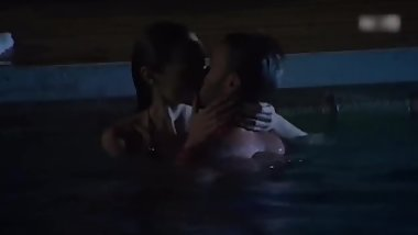 Gal Gadot kissing in the pool
