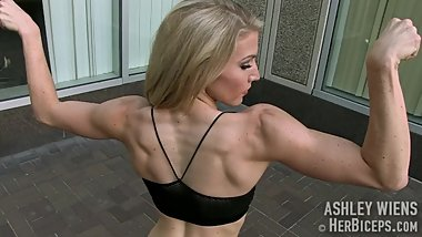 Ashley_Wiens flexing