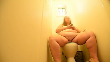 CUTE TEEN BBW SEDUCED & FINGER FUCKED IN TOILET BY STEP BROTHER