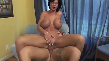 Deauxma provides sex therapy