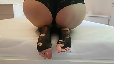 PREMIUM PREVIEW: Lara's big butt and ripped pantyhose soles