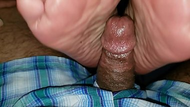 Footjob pleasure 3