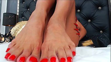 LONG RED TOENAILS TEASE-MIRREMBE ON CHATURBATE