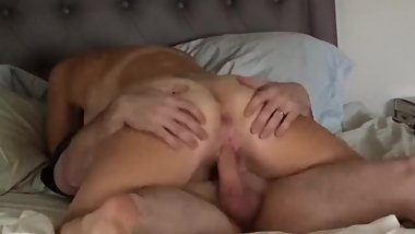 Neighor mom wants creampie in her pussy she riding on my cock for creampie
