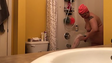 REAL spycam, My dad's wife is half his age - shaving her legs and showering